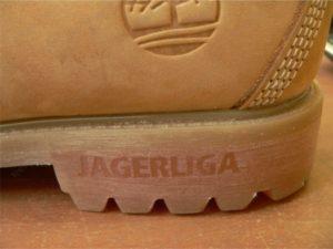 Гравировка на обуви